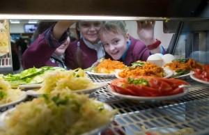 """""""Работу по организации детского питания нужно организовать так, чтобы даже сомнений ни у кого не могло появиться в том, что продукты в столовых - самого высокого качества."""""""