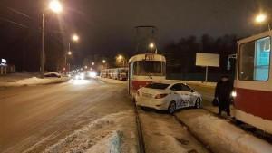 Стали известны подробности ДТП с такси и трамваем в Самаре