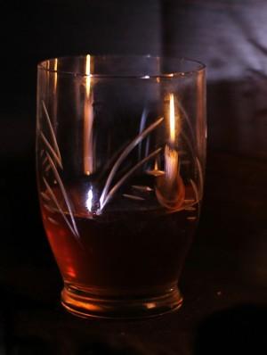 В жилом доме в Индии из крана полился алкоголь