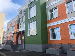 Дмитрий Азаров пообщался с педагогическим коллективом и воспитанниками двух новых детских садов в Тольятти.