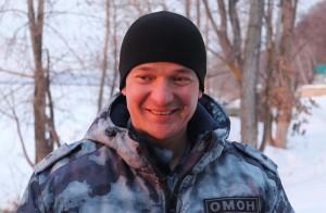 Самарец поблагодарил сотрудника Росгвардии, который вытащил его из-подо льда
