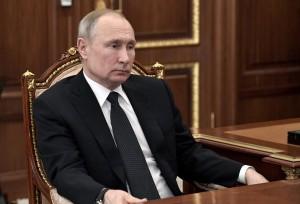 """Глава государства отметил, что """"люди должны напрямую принять участие"""" в решении судьбы основного закона страны."""
