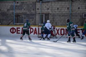 Во время напряженного и динамического поединка хоккеисты обеих команд продемонстрировали незаурядное спортивное мастерство, а главное – волю к победе.