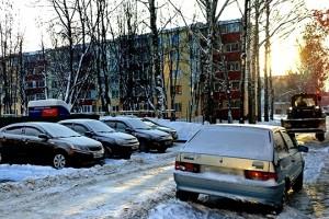 Самарцев просят оставлять место во дворах для проезда пожарной техники