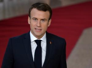 По словам французского президента, Европа может действовать еще жестче, но правильнее расширять диалог с соседом.