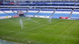 """Эксперты высоко оценили качество футбольного поля """"Самара Арены"""", отметив, что газон находится в прекрасном состоянии."""