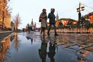 Журналист отметил, что для него одним из неотъемлемых составляющих московской зимы всегда были рабочие, которые каждый день убирают снег.