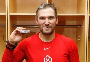 """Капитан """"Вашингтона""""стал восьмым хоккеистом в истории лиги, кому удалось подобное."""