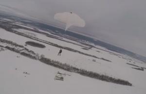 Разведчики из Сибири и Поволжья состязались в прыжках с парашютом под Самарой