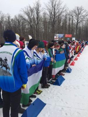 Более 300 спортсменов со всей страны покажут себя на лыжных дистанциях.