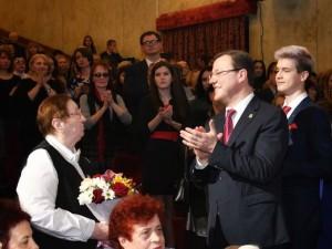 Сегодня глава региона приехал на  АО «АВТОВАЗ», чтобы поздравить прекрасную половину трудового коллектива.