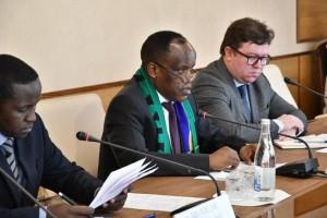 На встрече обсуждались вопросы взаимовыгодного сотрудничества в экономической сфере и сфере образования.