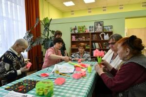 Новым социальным сервисом является «Центр дневного пребывания» (или «Дневной пансион») для пожилых людей и инвалидов.