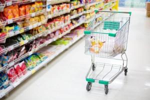 Запасов продуктов питания в российских магазинах без пополнения хватит на восемь недель.