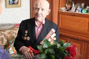 Его героизм, отвага и неоценимый вклад в Победу является примером для всех последующих поколений.