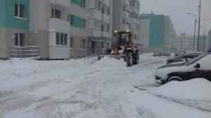 Коммунальные службы Самары борются с весенним снегом