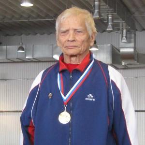 Лидия Михайлова, супруга Николая Ивановича, выиграла в беге на дистанции 400 метров, а также серебро на 1500 метров.