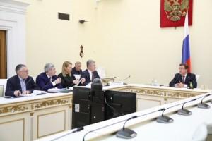 Дмитрий Азаров принимает участие в селекторном совещании, которое проводит министр экономразвития РФ