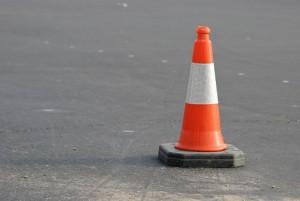 В Самарской области машина врезалась в столб, водитель погиб Пассажирка попала в больницу.