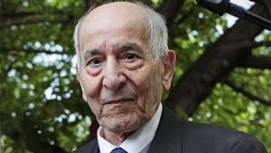 Рафаэль Гомес Ньето - солдат легендарной 9-й роты скончался во Франции от коронавируса в возрасте 99 лет.