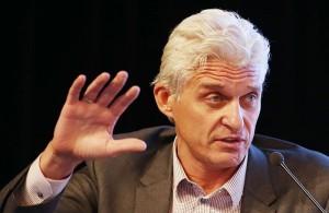 """Он передал свои права владения акциями TCS Group в семейный траст, в ближайшие недели банкир намерен покинуть пост главы совета директоров """"Тинькофф банка""""."""