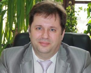 Сергей Вдовенко занимал должность первого заместителя министра - руководителя департамента реализации законодательства в сфере здравоохранения.