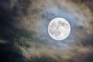 В это время Луна будет на максимально близком расстоянии от Земли.