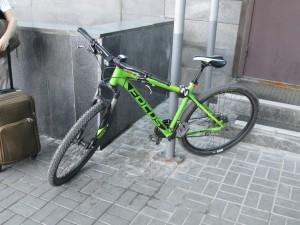 У жительницы Волжского района украли велосипед из подъезда