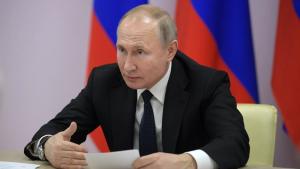 Глава государства поздравил россиян, находящихся на орбите, с приближающимся Днём космонавтики.