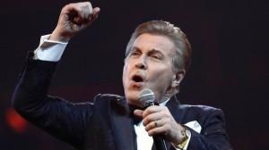 Пригожин призвал россиян поддержать артиста и пожелать ему здоровья.