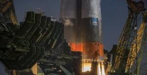 Самарских ракетостроителей с праздником поздравил Губернатор Дмитрий Азаров.
