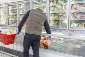 Продукты были закуплены для покрытия ажиотажного спроса, но к концу марта спрос упал.