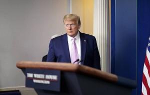 Вашингтон поможет и другим странам, которым нужны аппараты искусственной вентиляции легких, отметил американский лидер.