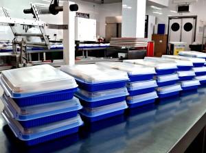 Аэропорт уже отгрузил более 14,5 тысяч рационов трехразового питания.