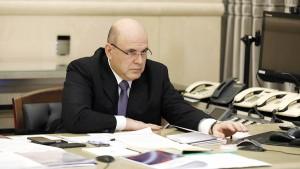 Премьер-министр отметил работу Роспотребнадзора, который выпускает соответствующие рекомендации по отраслям в зависимости от ситуации.