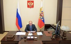 По его решению, нерабочие дни в России продлены до 11 мая.