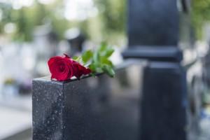 Кладбища открыты только для оформления услуг по погребению и участия в захоронении.