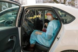 Воспользоваться услугами такси бесплатно могут врачи из 14 медучреждений Самары и Тольятти.