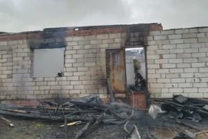 В результате пожара погибли трое мужчин и три женщины.