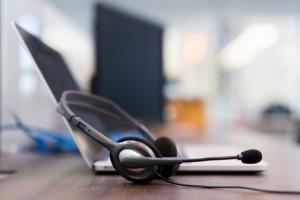 Если вы столкнулись с нарушением сроков выплаты заработной платы, оставьте сообщение на телефон «горячей линии».