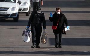 С 12 мая в общественном транспорте станет обязательным ношение масок и перчаток. Штраф за нарушение - 5 тыс. рублей.