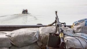 Неизвестные похитили россиянина с судна Rio Mitong в Гвинейском заливе и еще двоих с другого корабля.