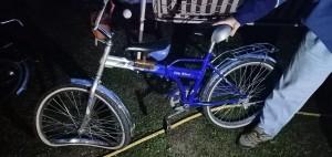 На  7-ой улице СНТ «Уют» в селе Ягодное она допустила наезд на 10-летнего велосипедиста, который перевозил на раме 7-летнюю девочку.