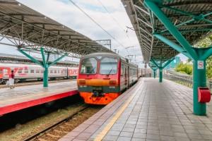 Электропоезда будут курсировать в штатном режиме: в будни - по расписанию рабочего дня, в выходные и праздничные дни - по расписанию выходного.