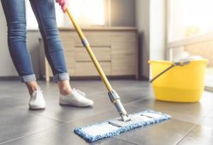 Как правильно сделать влажную уборку