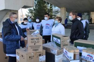 Единая Россия собрала 402 миллиона рублей на помощь медикам и гражданам в условиях пандемии коронавируса