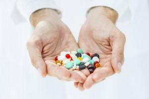 По словам медика, лучшим вариантом для снятия боли является парацетамол.