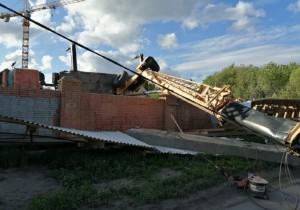На месте инцидента находятся оперативные службы и администрация Советского района.