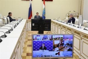 Особых мер требуют предприятия, применяющие упрощенную систему налогообложения. По мнению Дмитрия Азарова, им необходимо дать право менять объект налогообложения в течение финансового года.