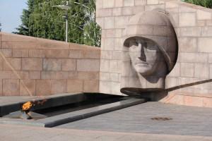 В Самаре учащиеся будут стоять в Почетном карауле на площади Славы